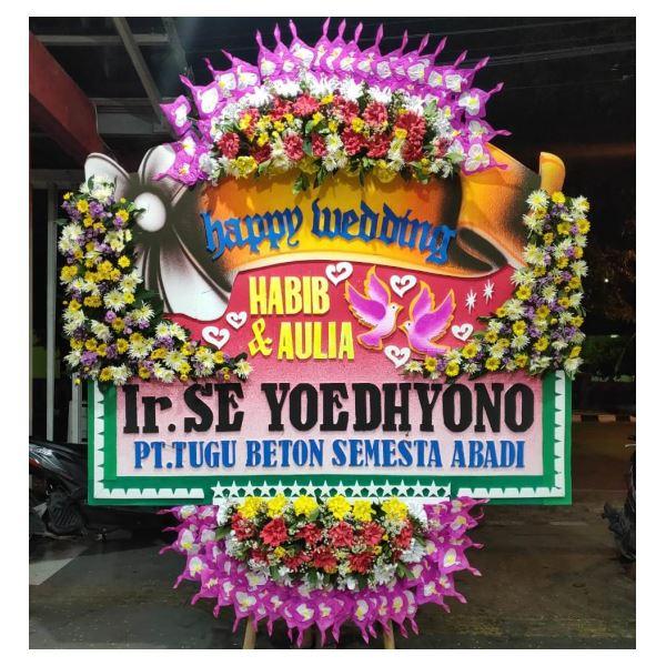 Bunga papan ucapan happy wedding