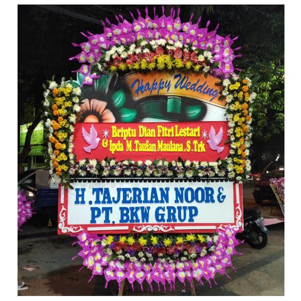 Bunga papan untuk pernikahan